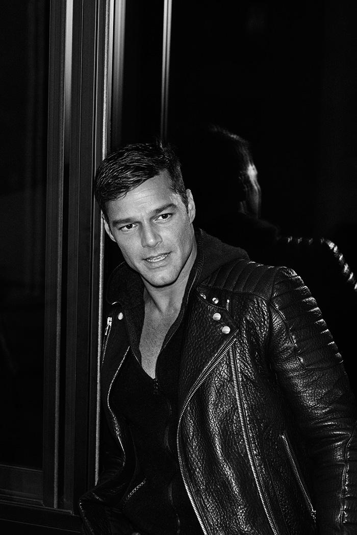 Ricky Martin mariano_vivanco_portraits_nudes_flowers-21